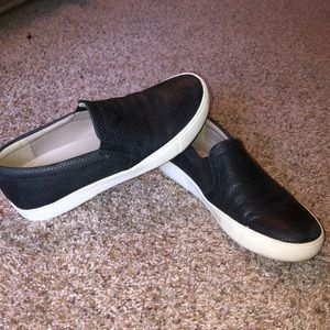 Naturalized leather slip on 6.5wide